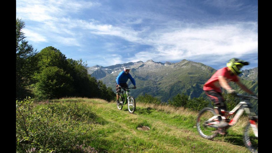 Mountain biking in Guzet